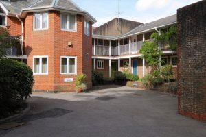 Little Dean Court, Winton Hill, Stockbridge, SO20 6HL